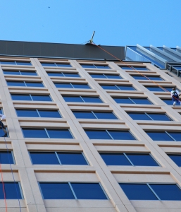 Shatterproof Challenge…. Rappelling a Building from a Wheelchair